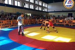 A Molfetta sport con bambini nella piazza della zona 167