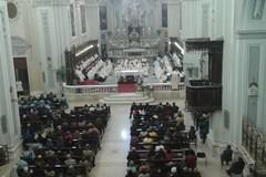 Messa Crismale, il Vescovo: «La chiesa ha il compito di curare le ferite della gente».
