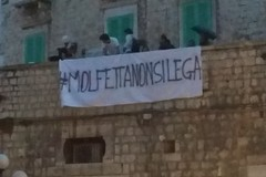 """""""Molfetta non si lega"""", protesta durante l'intervento di Maroni a Palazzo Giovene"""