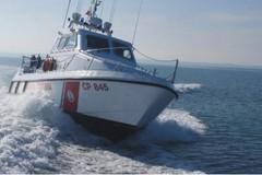 """La Regione Puglia """"fa il pieno"""" ai mezzi nautici e terrestri della Guardia Costiera"""