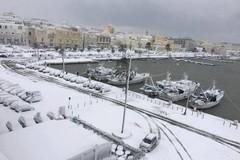 Neve, prelevata acqua dal mare: servirà per rendere agibile centro storico e marciapiedi