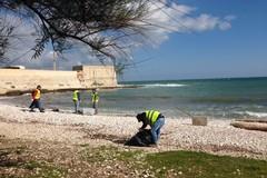 Arriva l'estate: avviata la pulizia delle spiagge