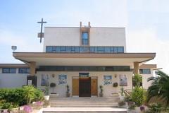 Un volume per il battistero e la teca degli oli santi della Parrocchia Santa Famiglia di Molfetta
