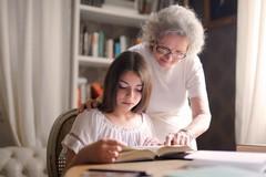 Quando i nonni possono o devono mantenere i nipoti?
