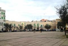 Piazza Paradiso a Molfetta cambia volto: nuovo verde e area giochi