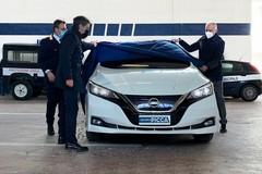 Il Gruppo Picca consegna un'auto elettrica per la polizia locale di Monopoli