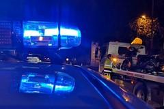 Rapinatori di Rolex: braccati dalla Polizia Locale, fuggono a piedi. Auto recuperata