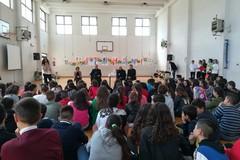 """Il Vescovo di Molfetta in visita alla scuola media """"Giaquinto"""""""
