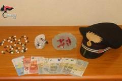 Droga nascosta sul soppalco di casa: arrestato un 34enne