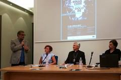 """""""Senza nome"""", presentata l'opera semplice e potente di Parmiggiani"""