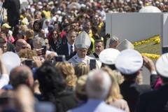 «Papa Francesco mi ha stretto la mano e mi ha detto di pregare»