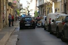 Paura in centro a Molfetta, donna rapinata in via Rattazzi