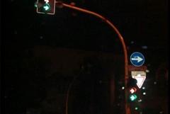 In via Baccarini i primi semafori con lanterne a led