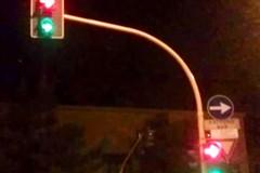 Caos semafori: automobilisti e pedoni in tilt