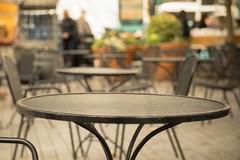 Più spazi aperti per bar e ristoranti a Molfetta: tante autorizzazioni dal Comune