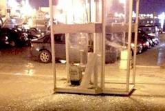Piazza Mazzini, esplosione in una cabina telefonica a causa di un petardo