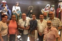 Dall'America a Molfetta estasiati davanti alle statue della Settimana Santa