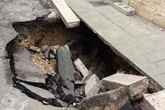 Da Via Salvemini a Via Trieste: l'asfalto molfettese cede e si aprono voragini