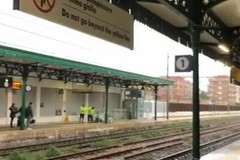 A Molfetta piove, anche sulla banchina della stazione