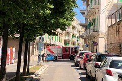 Fuga di gas da un'auto parcheggiata, intervengono i Vigili del Fuoco