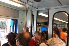 Trenitalia, nuovi orari estivi e già primi disagi per i pendolari da Molfetta a Bari