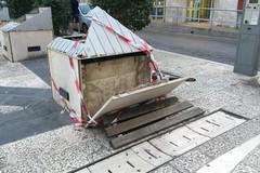 Panchina rotta e tanta paura per un anziano in Piazza Principe di Napoli
