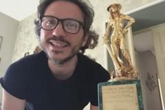 Giulio Mastromauro riceve il David di Donatello e saluta la sua Molfetta