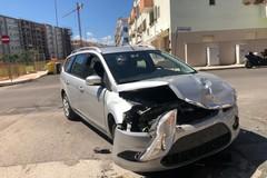 Incidente a Molfetta in via Moscati: scontro fra due vetture