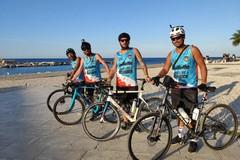 I ciclisti della solidarietà a Molfetta: pedalare per sconfiggere i tumori cerebrali infantili