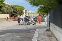 Scontro tra auto e scooter a Molfetta: 118 e Carabinieri sul posto