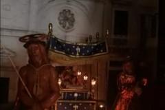 Tra scultura e passione: la processione dei Cinque Misteri simulata in miniatura