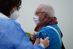 Campagna vaccinale in Puglia: ok gli over 80 (al 90%) e gli over 70 (al 77%)