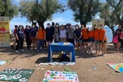 Giornata mondiale delle tartarughe, i ragazzi delle comunità puliscono la Prima cala
