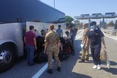 Arrivate a Molfetta le prime due famiglie di profughi afghani