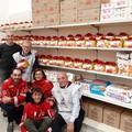 La Croce Rossa Molfetta dona settantacinque panettoni al Social Market Solidale
