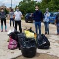 Attivisti 5 stelle: «Sulle spiagge di Molfetta degrado»