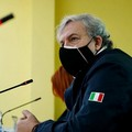 Emiliano scrive a Speranza: «Si valutino riaperture dal 26 in Puglia. Tensione sociale crescente»