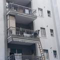 Anziani cadono in casa, i Vigili del Fuoco li salvano entrando dal balcone