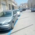 Via parcheggi a spina di pesce su Corso Dante. Strisce blu a Banchina San Domenico