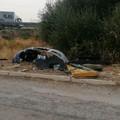 Pezzi di auto rinvenuti a pochi metri dalla strada statale 16 bis