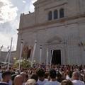 «Dateci la nostra Madonna»: la Madonna dei Martiri è per le strade di Molfetta