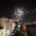"""Botti e fuochi d'artificio: Molfetta  """"omaggia """" così il 2020"""