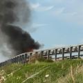 Paura sulla 16 bis: automobile in fiamme. In salvo il conducente