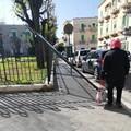 Piazza Roma, abbattuto un pannello per le affissioni