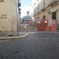 In via Cairoli prende forma la nuova zona pedonale