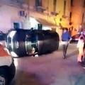 Via Bari, auto sbanda e si ribalta su un fianco