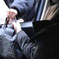 Avviso agli automobilisti: ladri in azione ai semafori