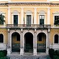 La biblioteca del Liceo Classico di Molfetta intitolata a Mara e Diana Zaza