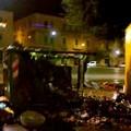 Piazza Paradiso, notte di botti e incendi ai cassonetti