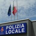 Non si ferma a prestare soccorso dopo un incidente, pirata della strada individuato dalla Polizia Locale